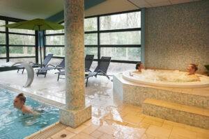 Zwembad en sauna